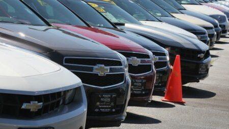 معاون فنی گمرک ایران از اعلام جرم قاچاق برای ۳۵۰ خودروی گذر موقت خبر داد.